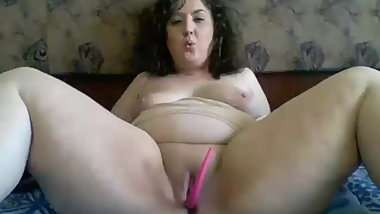 Sexy chubby young girl on webcam Jyliakiss