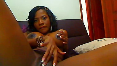Sexy ebony squirting on private video