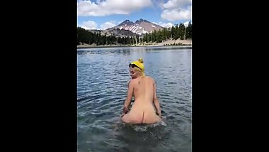 Girlfriend twerks in mountain lake