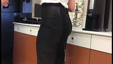 Sexy latina coworker candid ass in sluty pencil skirt