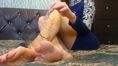 tickling of the soles of the feather1080p