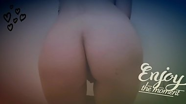 Hot Young Latina Girl Shakes Ass in SlowMotion!Funny