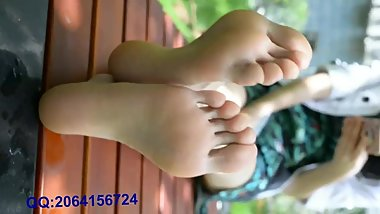 Chinese Bare Feet Show