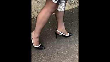 Going for dinner with my cervin r h t nylons xxxxx