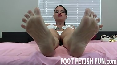 Foot Worshiping And Femdom Foot Fetish Videos