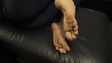 Sexy foot fetish solo for this brunette girl