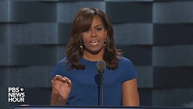 Former First Lady Michelle Obama Toungefucks Spectators With Juicy Speech