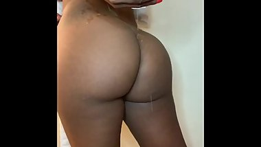 After shower Booty jiggle