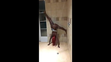 Ebony upside down shower twerking.