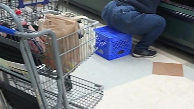 Sexy booty squatting in Kroger 2 spreading butt cheeks
