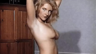 LOVE TO DANCE - British blonde striptease