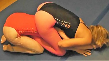 #22 Bragging Rights Monroe vs Electra Real Female Wrestling