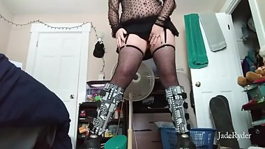 Curvy goth girl does anal with her favorite toys