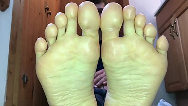 Perfect Teen boy feet soles + toes