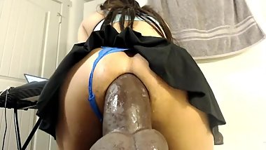 GAPING INSANLY HUGE DILDO ANALRIDING