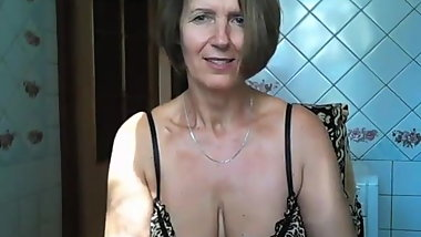 webcam russian beautiful mature show ass in pantyhose