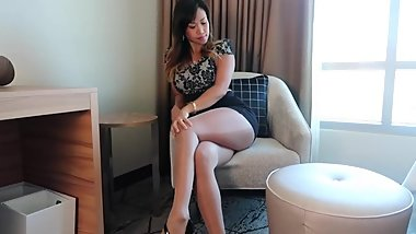 Asian in sexy shiny pantyhose 2
