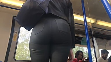 Thick round juicy bubble butt eatin up tight latex