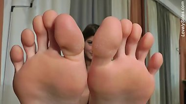 Jamilia's Big Feet
