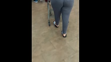 Juicy Booty At Wal-Mart Pt 1