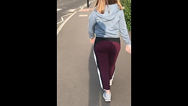 Round juicy british bubble butt eatin up joggers
