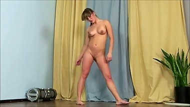 Girl Nude While Dancing & Working Out