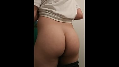 Thick Juicy Ass Jiggle