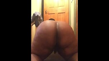 Fat ass chub shaking