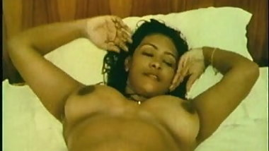 Famous Shakeela indian actress nude clip