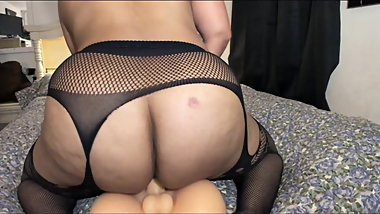 Thick Mature Rides and Rides