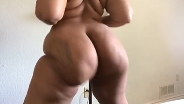 That Ass Jiggling Like Jello and Soft Like A Pillow!