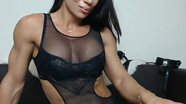 Muscular Webcam girl in lingerie