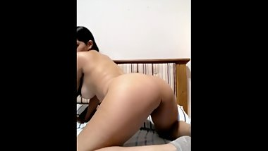 Sexy Latina Spreads Pussy on Snap