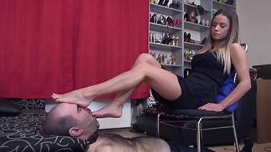 Lady Monika -Foot Worship, Face As Footstool And Ignore