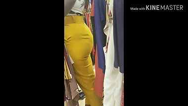 Big african booty candid