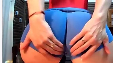 Me with sexy shorts on female bouncy ass twerking
