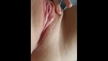 Teen pussy spreading wet shaved solo masturbation