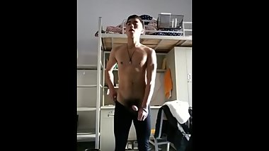 Chinese Guy Flexing (No Cum)