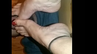 Aunt red toes foot worship