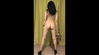 Whore russian prostitute Oksana does squats, fitness girl