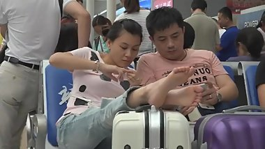 candid chinese feet rest
