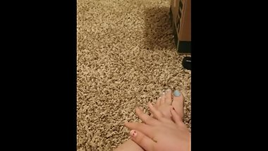 BBW gets turned on by foot massage